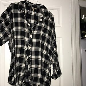 Sweaters - Black and white light flannel